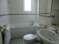 Photo Bathroom, Single room - STYLES  in London
